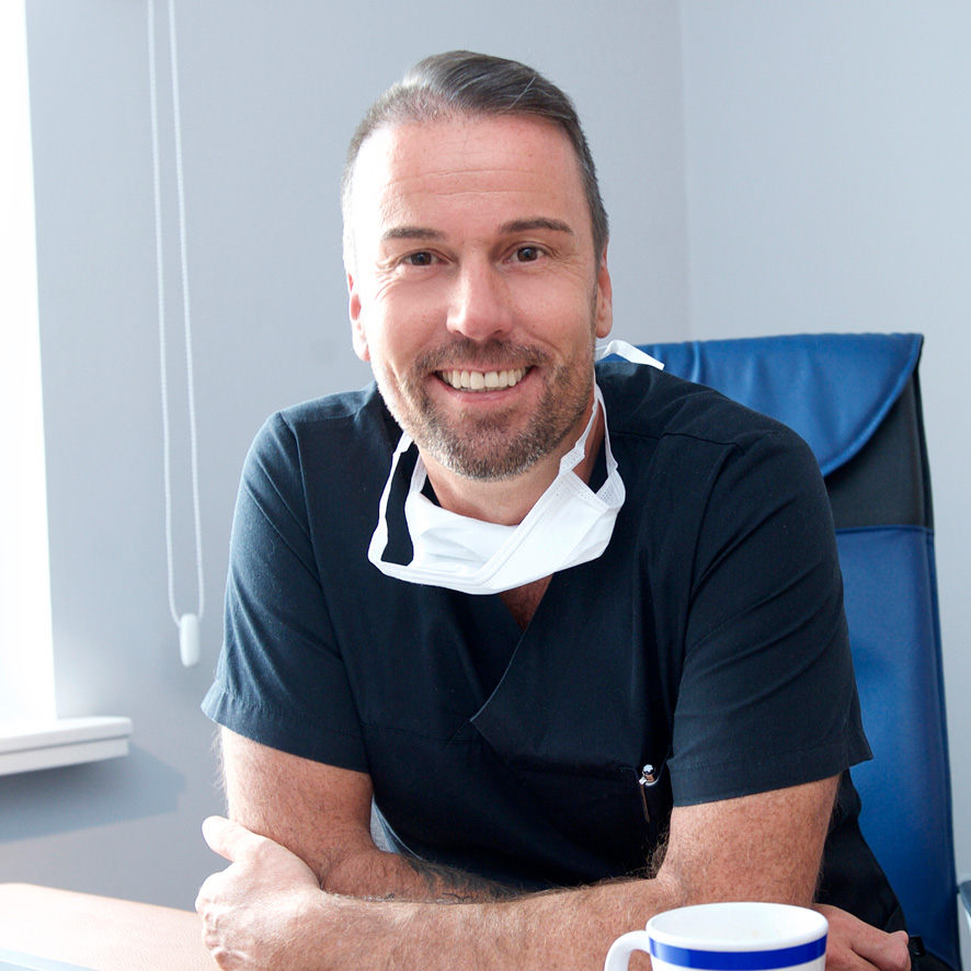 Ihr Zahnarzt Dr. Schmidt von Lumodent