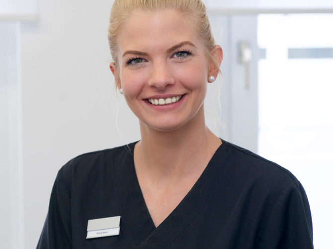 Jennifer Kura - Team Praxis Lumodent Dr. Schmidt - Kinder - und Erwachsenenprophylaxe